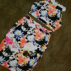 Gorgeous Floral 2 piece  skirt and crop top